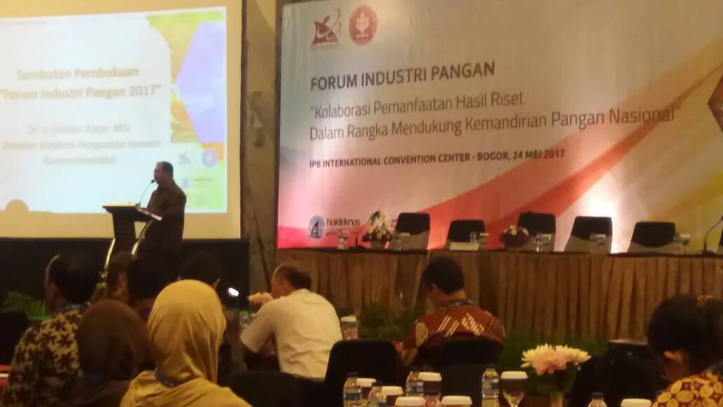 Direktur Jenderal Penguatan Inovasi Kemristekdikti Jumain Appe memberikan sambutan dalam Forum Industri Pangan di Bogor, Jawa Barat, Rabu (24/5).